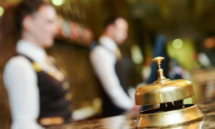 ۱۰ نکته در مورد اقامت در هتل